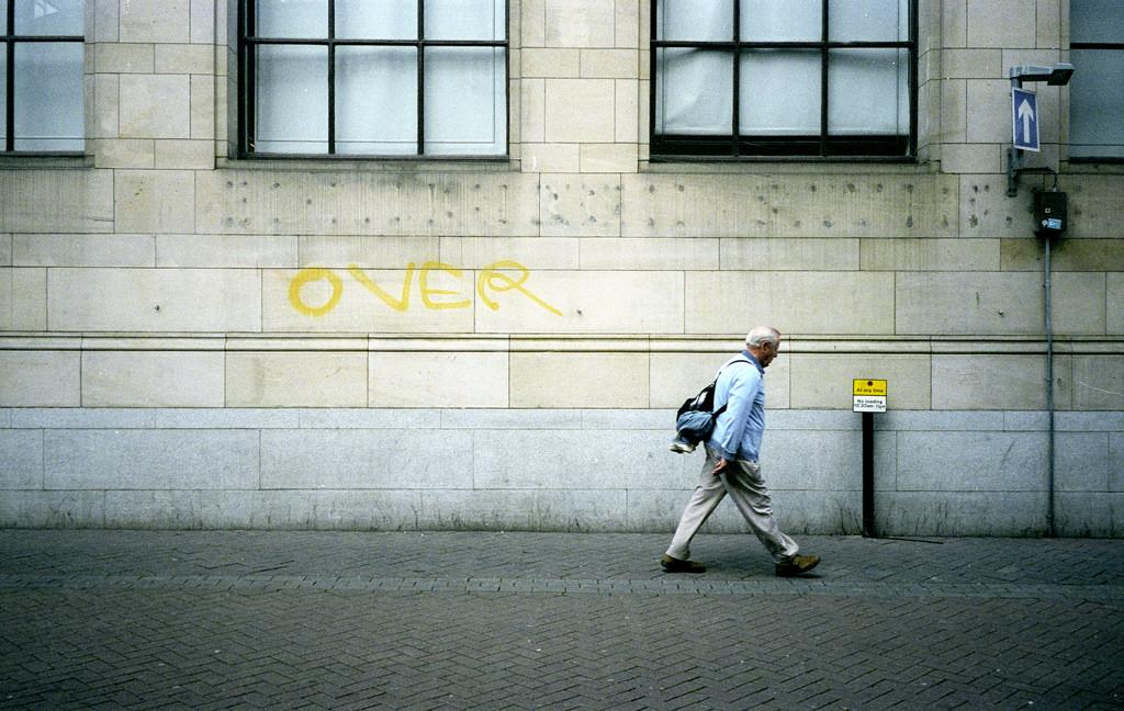 """ネイティブ流、副詞の """"over"""" の使い方"""