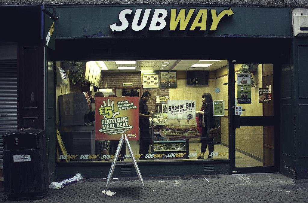 サンドイッチのSUBWAYは「地下鉄」という意味じゃない